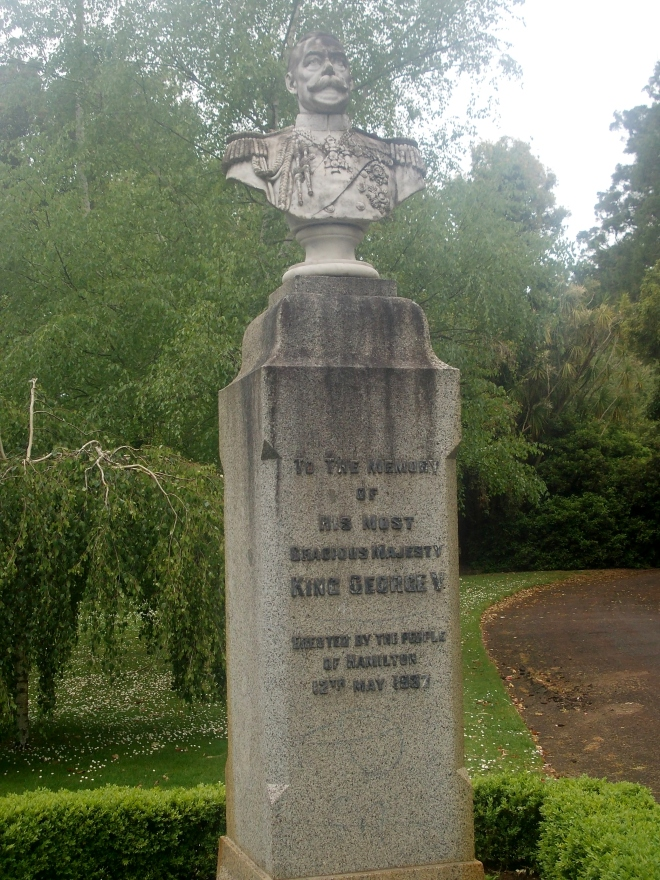KING GEORGE V MEMORIAL, HAMILTON BOTANICAL GARDENS