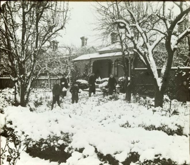 SNOW, NORTH BALLARAT (c1900-1906). Image Courtesy of the State Library of Victoria Image no: H41033/32 http://handle.slv.vic.gov.au/10381/55951