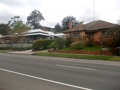 HOMES OF TOM & QUEENIE (left) AND STAN & AMY (right), Humffray Street South, Ballarat.
