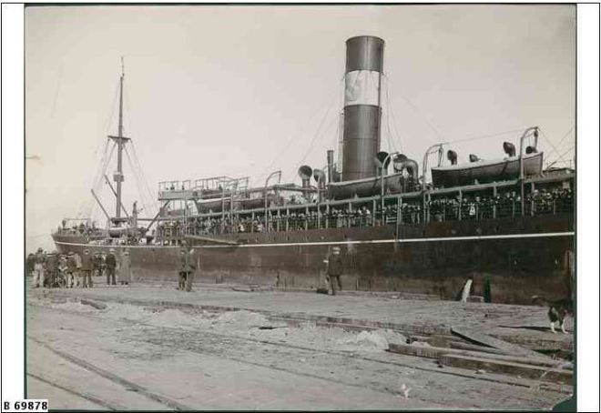 SS COMMONWEALTH.  Image Courtesy of the State Library of South Australia.  Image No, b69878  http://images.slsa.sa.gov.au/mpcimg/70000/B69878.htm