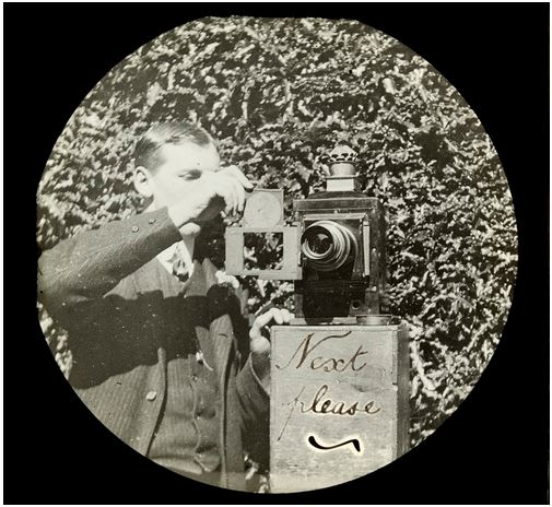 A Magic Lantern (1909).  Image Courtesy of the State Library of Victoria.  Image no.  H2009.29/120 http://handle.slv.vic.gov.au/10381/159294