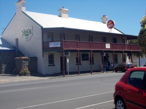 ROYAL OAK HOTEL, PORT FAIRY (FORMALLY THE COMMERCIAL HOTEL)