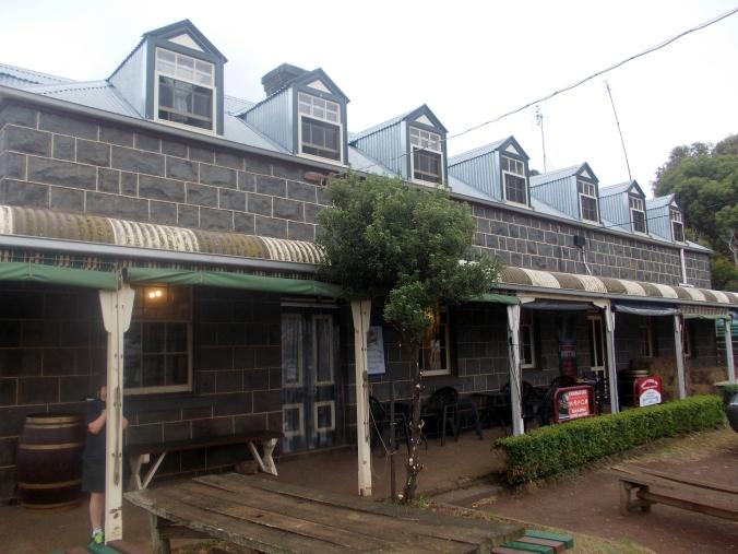 YAMBUK HOTEL