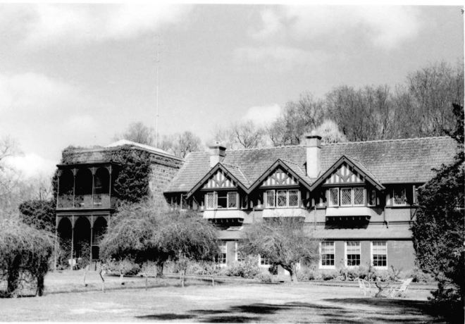 MURNDAL HOMESTEAD, Image Courtesy of the State Library of Victoria J.T.Collins collection,  Image no. H97.250/31 http://handle.slv.vic.gov.au/10381/230143