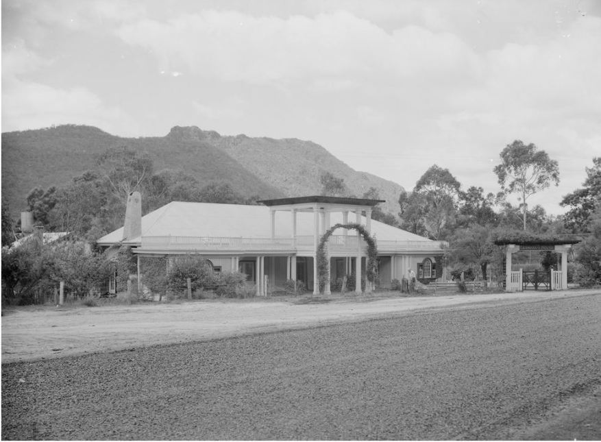 GRAMPIANS HOUSE (c1950). Image courtesy of the State Library of Victoria Railways Collection. Image no. 91.50/1604 http://handle.slv.vic.gov.au/10381/96669
