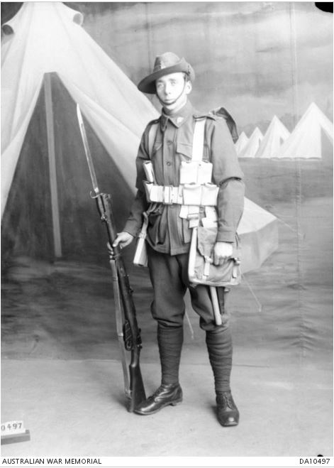ARTHUR UNDERWOOD. Image courtesy of the Australian War Memorial. Image no. DA10497 https://www.awm.gov.au/collection/DA10497/