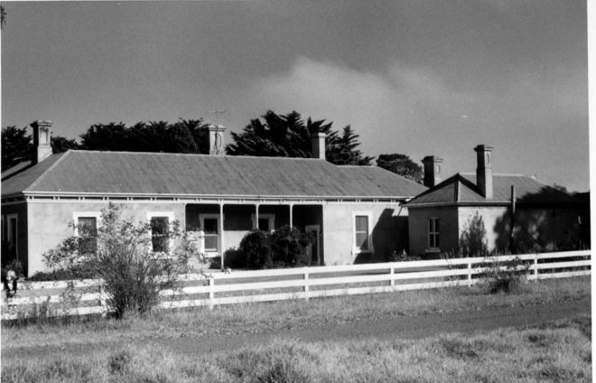 EDDINGTON HOMESTEAD, Image courtesy of the J.T. Collins Collection, La Trobe Picture Collection, State Library of Victoria. http://handle.slv.vic.gov.au/10381/216810
