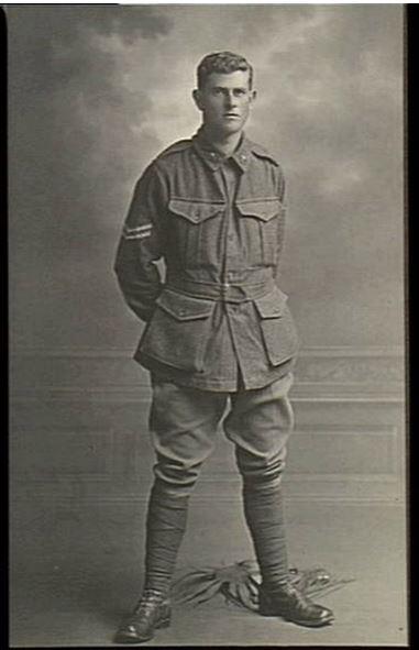 FRANK REGINALD ELDER. Image courtesy of the Australian War Memorial Image no. H05929 https://www.awm.gov.au/collection/H05929/