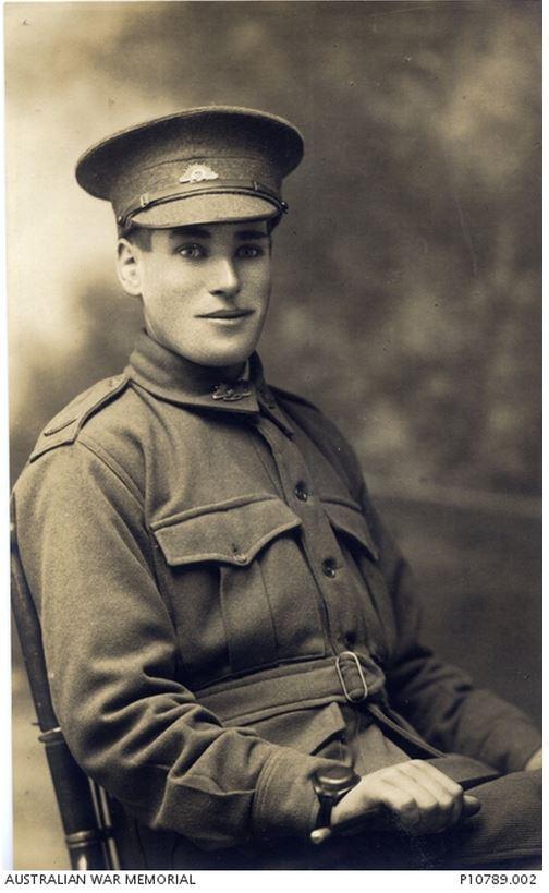 LESLIE DUNCAN HARRIS. Image courtesy of the Australian War Memorial https://www.awm.gov.au/collection/P10789.002