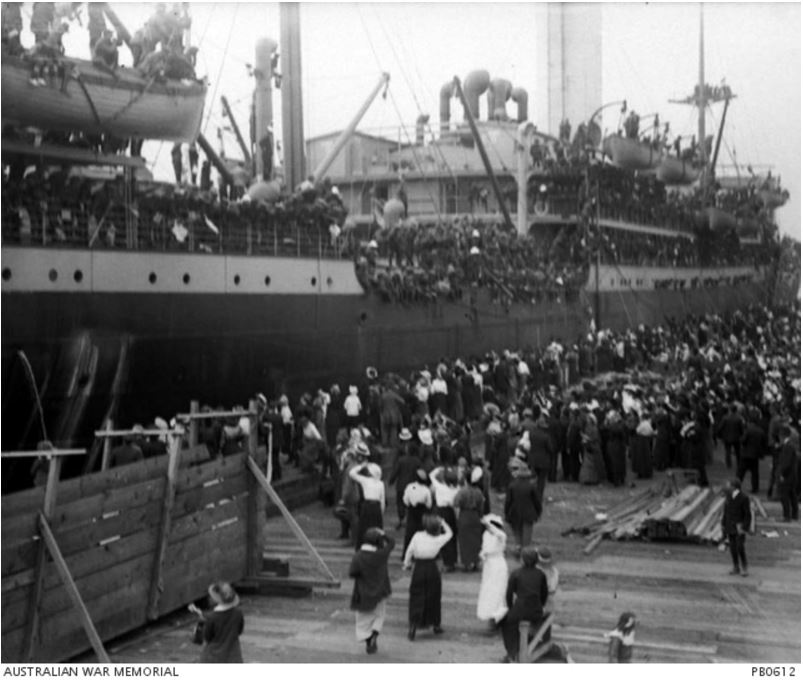 NESTOR A71, 15 OCTOBER 1915 AT PORT MELBOURNE. Image courtesy of the Australian War Memorial. https://www.awm.gov.au/collection/PB0612/