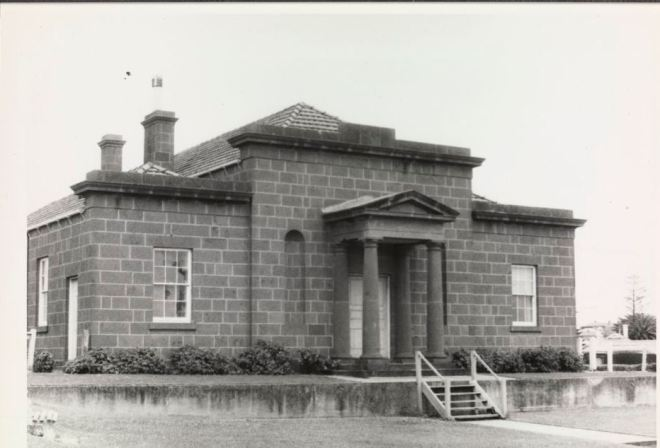 PORTLAND COURT HOUSE. Image courtesy of the J.T. Collins Collection, La Trobe Picture Collection, State Library of Victoria. http://handle.slv.vic.gov.au/10381/47642