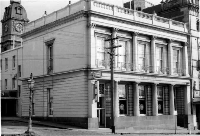 UNION BANK, BALLARAT. Image courtesy of the J.T. Collins Collection, State Library of Victoria http://handle.slv.vic.gov.au/10381/214252