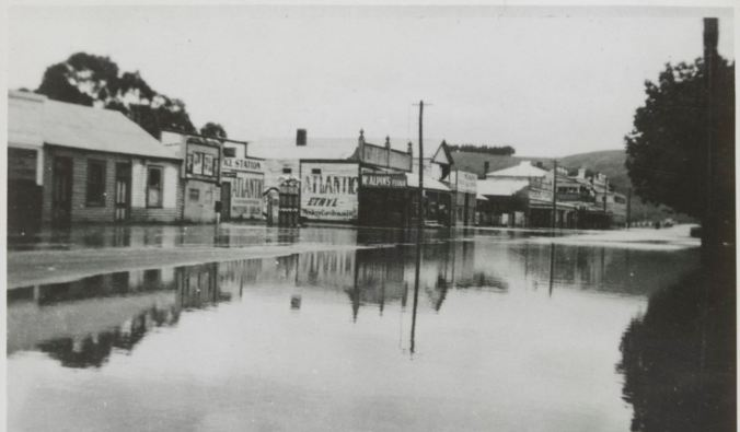 CASTERTON, 18 MARCH 1946. Image courtesy of the State Library of Victoria. http://handle.slv.vic.gov.au/10381/151401