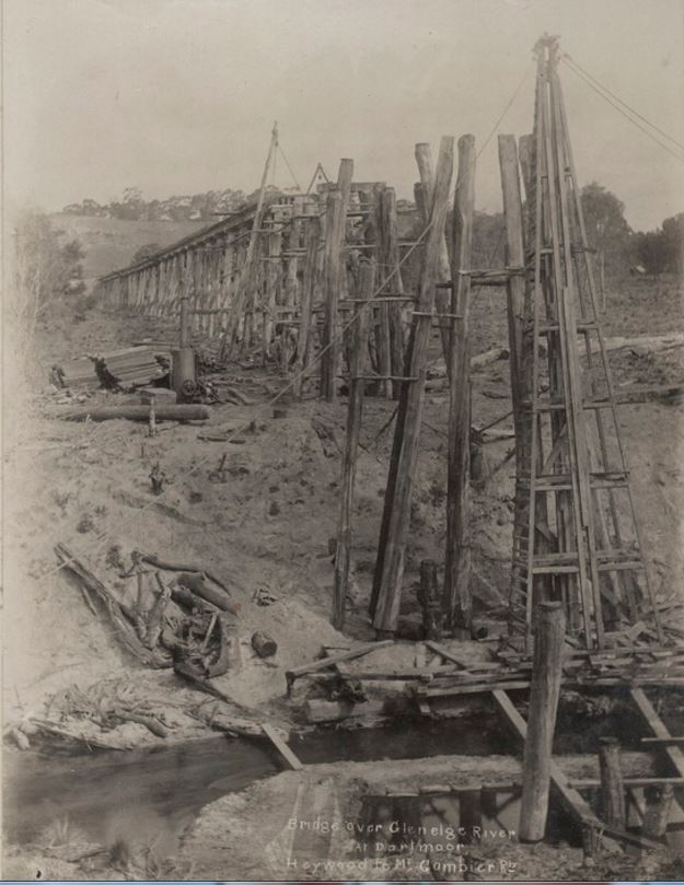 DARTMOOR RAILWAY BRIDGE UNDER CONTRUCTION c1915. Image courtesy of the State Library of Victoria. http://handle.slv.vic.gov.au/10381/239718