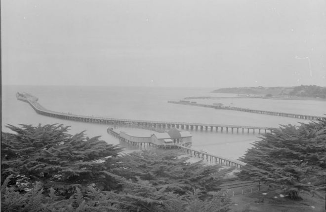 PORTLAND BREAKWATER c1945. Image courtesy of the State Library of Victoria.http://handle.slv.vic.gov.au/10381/97040