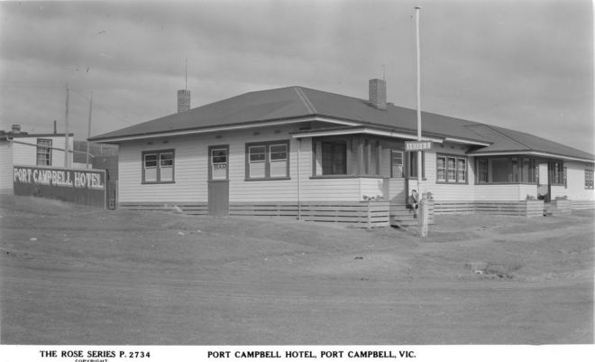 PORT CAMPBELL HOTEL. Image courtesy of the State Library of Victoria. http://handle.slv.vic.gov.au/10381/62326