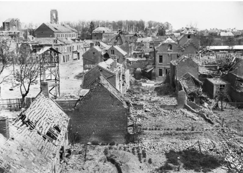 THE VILLAGE OF VILLERS-BRETONNEUX AFTER THE FIGHTING OF APRIL 24 & 25, 1918. Image courtesy of the Australian War Memorial. https://www.awm.gov.au/collection/E02154/